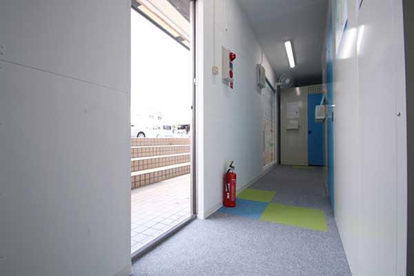 トランクルーム横須賀根岸町店 出入口