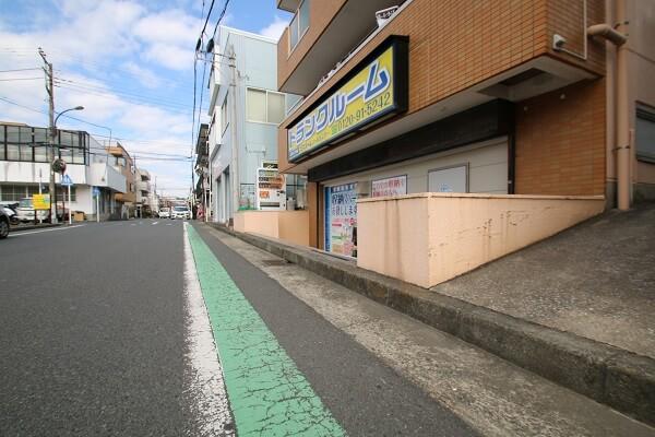 トランクルーム横須賀根岸町 駐車スペース