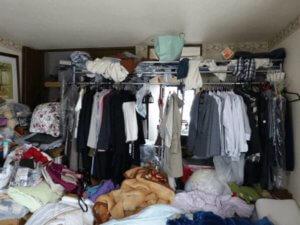 荷物が溢れてお部屋の悩み